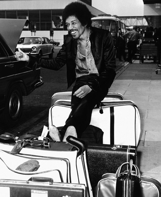 jimi-hendrix-hitches-a-ride-corbis-530-85.jpg